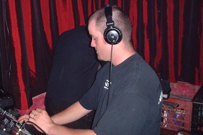 I DJ 2